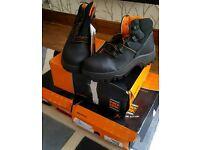 Steel toe workboots