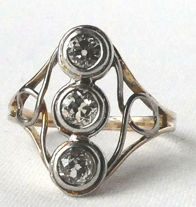 Victorian 14k Gold Platinum .61 Ct Old Mine Diamond Vertical 3 Stone Pinky Ring
