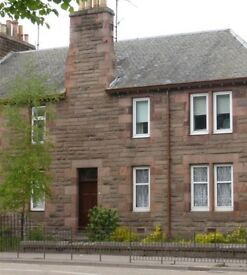 2 bedroom flat, Dunkeld Road, Perth
