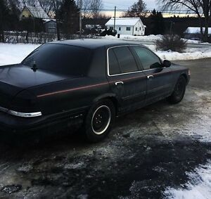2001 Crown Victoria need gone