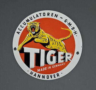 KLEINES BLECHSCHILD TIGER ACCUMULATOREN um 1960
