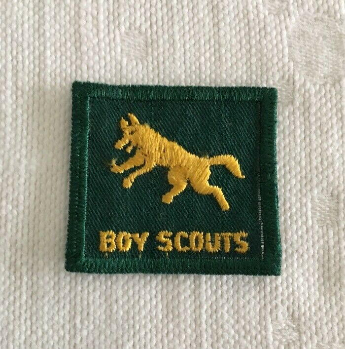 Vintage Canadian Boy Scouts Leaping Wolf Patch Uniform Badge Canada