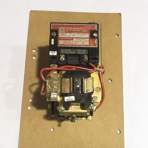 Square D 8903SMO10V02 Lighting Contactor (new In Box)