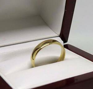 18ct Solid Gold Wedding Band - AS NEW size Sunshine Brimbank Area Preview