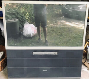 """Toshiba 50"""" Projection TV, Model No:50H82 for sale"""