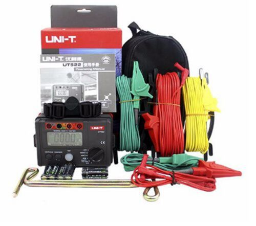Uni-T UT522 Digital Earth Ground Resistance Tester Ohm AC Voltage Meter w/ Case