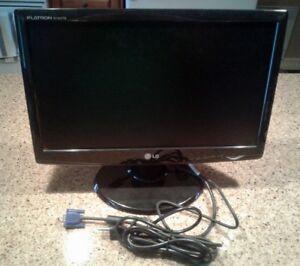 Moniteur 19 pouces LG avec prise VGA et DVI parfaite condition