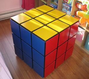Coffre à jouet en forme de rubik cube