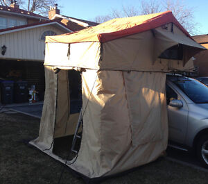4 x 4 Car Roof Top Tent  NEW IN BOX
