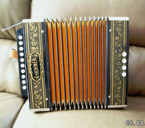 HOHNER  Model HA 1040  ... accordion accordeon accordian G
