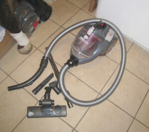 Almost new Dirt Devil Bagless Canister Vacuum,great working cond