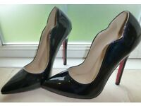 Beautiful brand new scallop shape stiletto shoes with red soles (size 5)