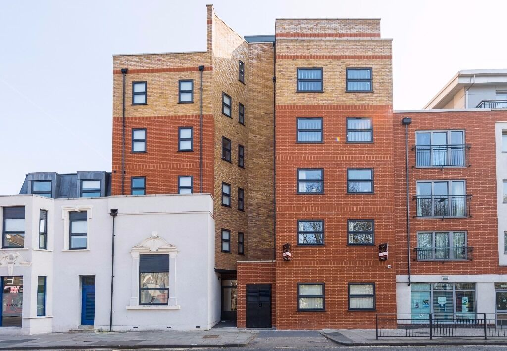 Fully Furnished 2 Bedroom Flat TO LET in Northfield Avenue