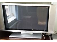 """Hitachi 32"""" Plasma TV model.32PD3000E spares or repair"""