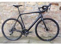 WAS £2700. 2021 CANNONDALE SYNAPSE CARBON ULTEGRA DISC ROAD BIKE. SUPERB CONDITION