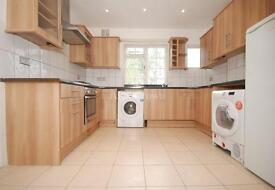 4 bedroom house in Trinity Gardens, Brixton