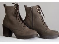 Heeled Brown Boots