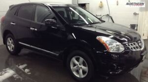 2013 Nissan Rogue S, FWD, HEATED SEATS AND MORE.. ONE OWNER, SPE