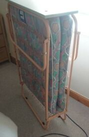 Single put up bed / camp bed