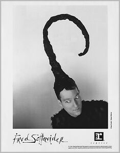 FRED SCHNEIDER FRONTMAN OF THE B-52's 8x10 B&W 1991 PRESS PHOTO