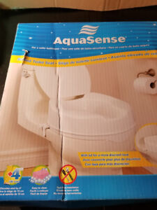 AquaSense Raised Toilet Seat With Lid 4inch
