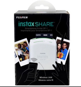 Fuji Fujifilm Instax Printer for polaroid pictures