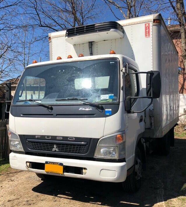 2010 Mitsubishi FUSO FE145 14 FEET BOX REEFER 2010 MITSUBISHI FUSO FE145 14 FEET BOX TRUCK