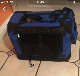 Pet carrier ideal for puppies