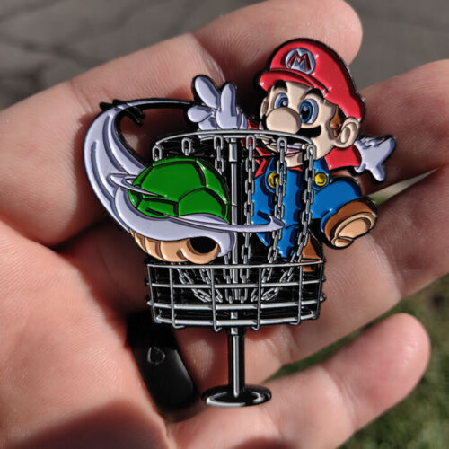 Disc Golf - NEW 2 1/2 metal Bag, hat, lapel pin