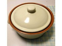 2.0 Litre Round Stoneware Casserole Dish