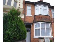 2 bed ground floor flat Clarendon Park Road