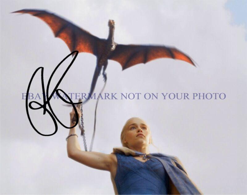 EMILIA CLARKE SIGNED AUTOGRAPH 8x10 RPT PHOTO BEAUTIFUL ACTRESS with DRAGON GOT