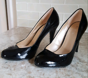 Aldo black patent shoes size 8