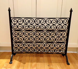Authentic 'Grange' wrought-iron fireplace screen