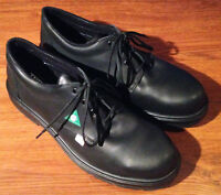 ♣♣♣BRAND NEW Work Shoes! $150 retail price selling for $70