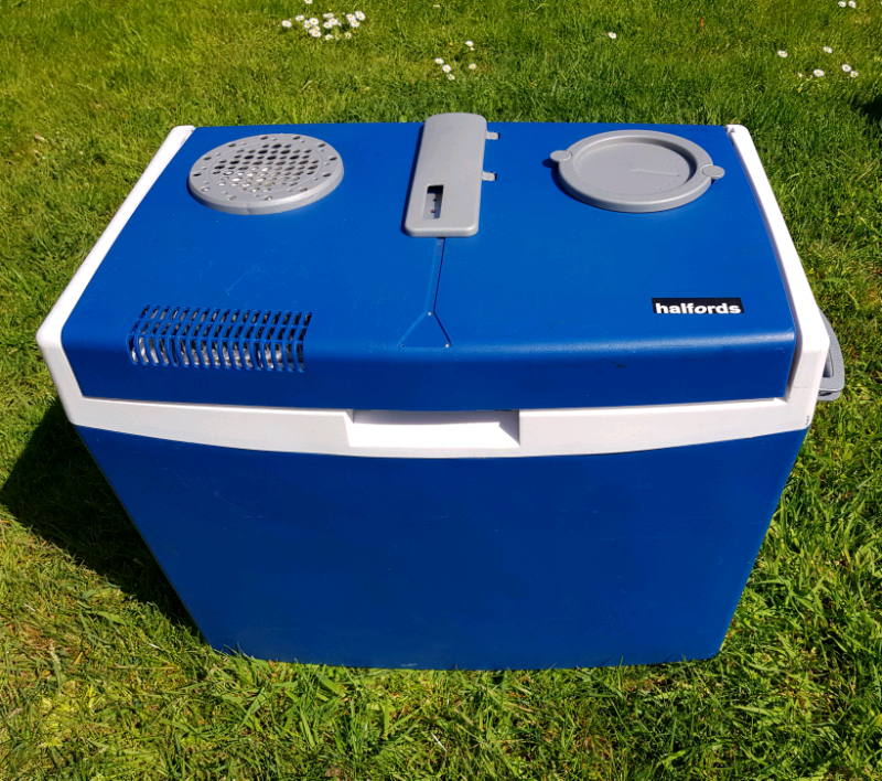 Electric Coolbox Halfords 35litre In Exminster Devon