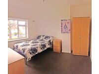 💰Attetion Massive Room & No Deposit* (14 Pauling Road)