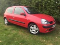 2004 RENAULT CLIO - 1.2L - 1 YEARS MOT - CLEAN & RELIABLE