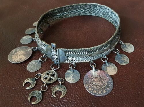 ANTIQUE OTTOMAN NECKLACE Bitch with authentic ottoman silver coins EARLY XIXth c