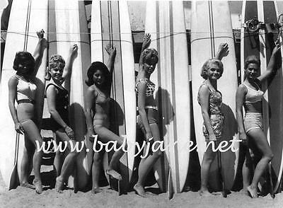 001 NOREEN CORCORAN LANA WOOD ETC GIRLS ON THE BEACH PINUP LONG SURFBOARD PHOTO
