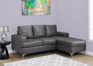 $499 - SECTIONNEL - BONDED LEATHER --- Noir ou Gris