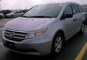 2011 Honda Odyssey DUAL DVD - SUPER CONDITION