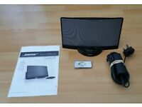 Bose SoundDock (for 30 pin Apple Phones/iPods), Mains Adapter, Remote and Instructions