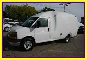 2010 Chevrolet Express Unicell, Bubble Van, Camera recul