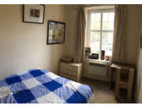 Double Room to Let in Twickenham, 5 minutes from station