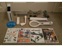 REDUCED NINTENDO WII WHITE CONSOLE 5 GAMES INC SONIC, MICKEY MOUSE, WII PLAY ACCESSORIES & ALL WIRES