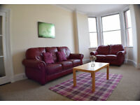 Spacious 2 bedroom flat with spectacular views of Arthur Seat
