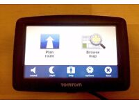 TomTom XL satnav - A1 condition - with case, charger & screen mount