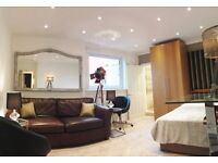 Luxury huge ensuite (RM4) - private toilet - direct buses city centre and Herio Watt University