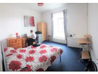 4-5 Bed flat to let on WILMSLOW ROAD next to REVOLUTION Fallowfield